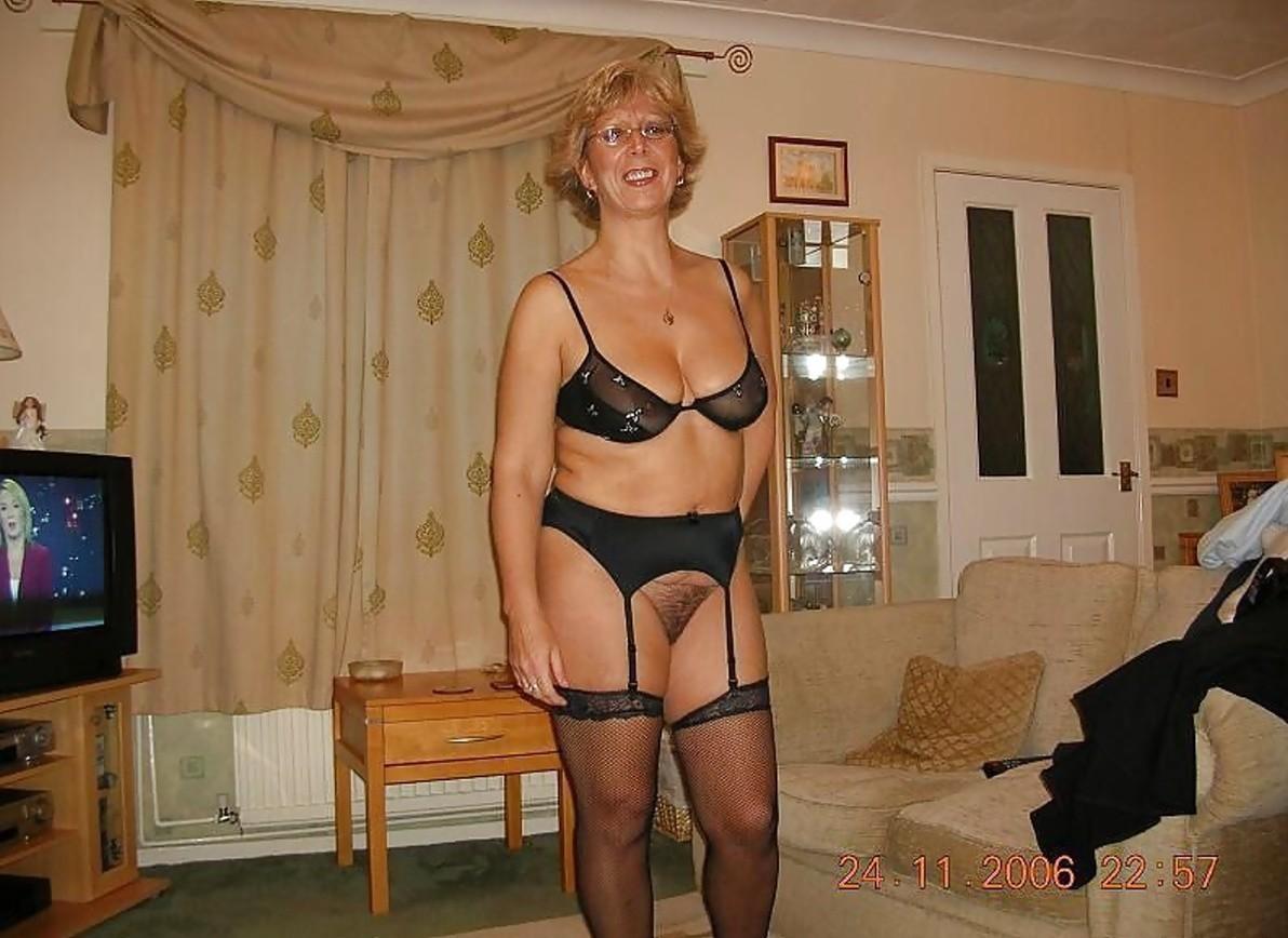 Mom in black lingerie