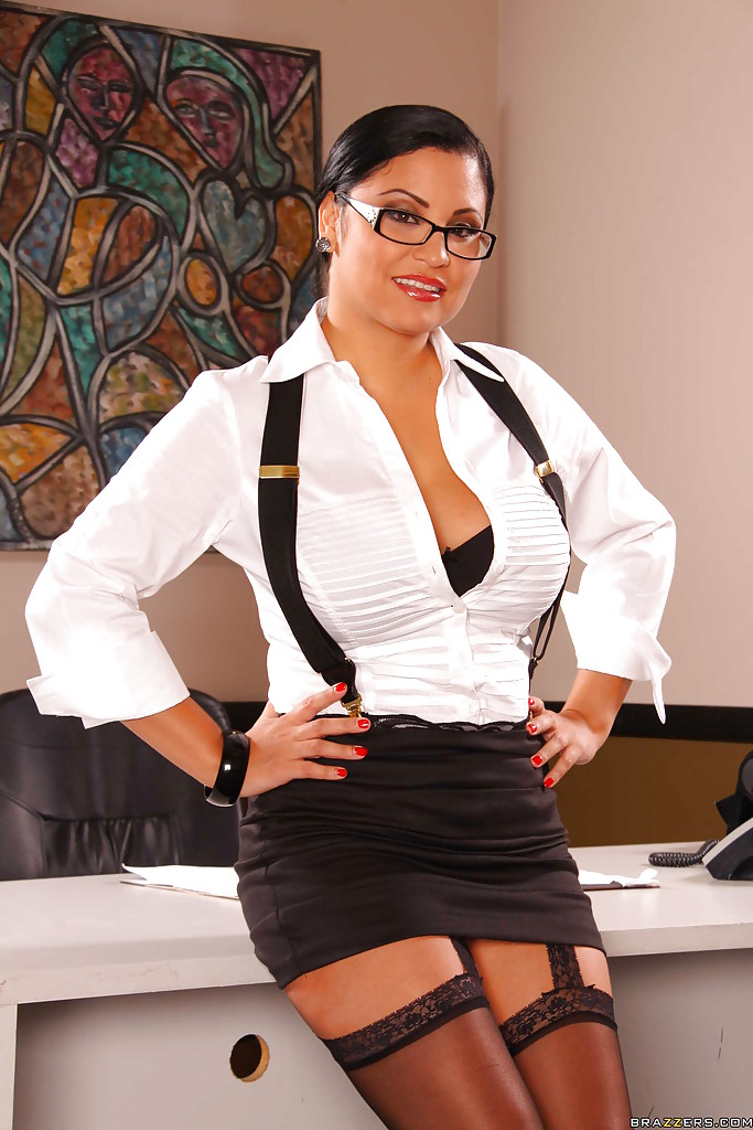 Latina office milf in glasses showing big tits and masturbating