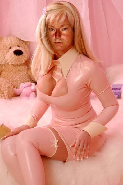 Sexy Shemale Pornstar Marisa Kardashian i
