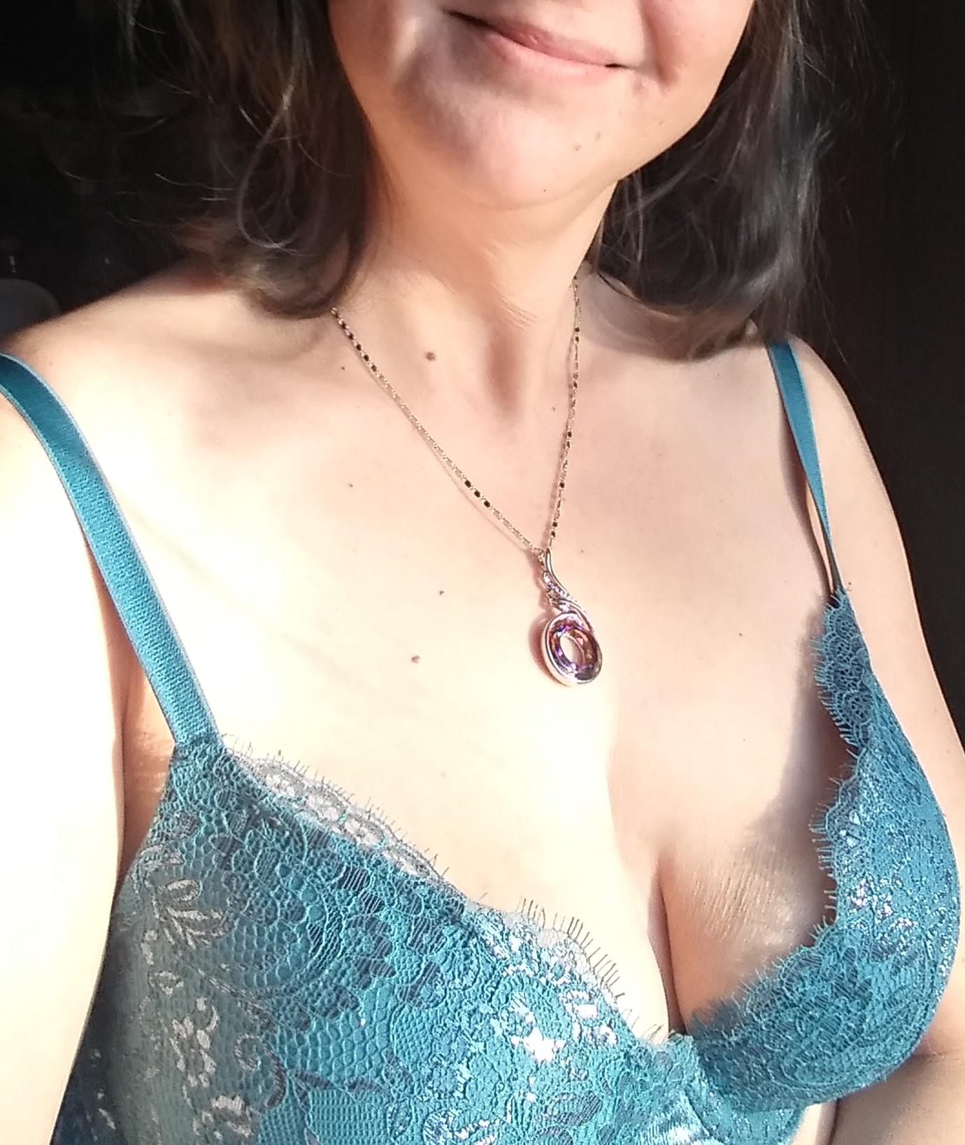 I wanted to show off my new pushup bra (f)or you. 38 year old mom NSFW