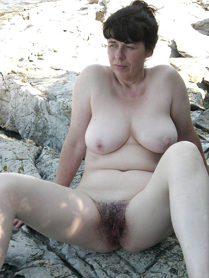 Elderly aunt shows big Tits and her hairy pussy