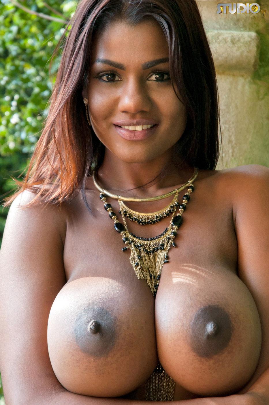 Sophia Lares: Incredibly Sexy Black Nipples