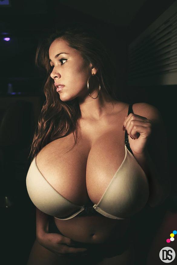 Big tit spectacular ebony