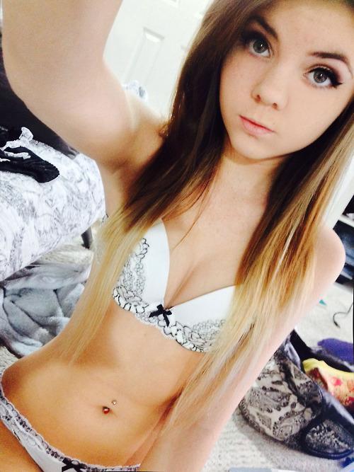 Gorgeous teen Danni Meow