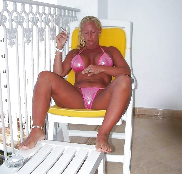 Hotlegs-all women with big tits