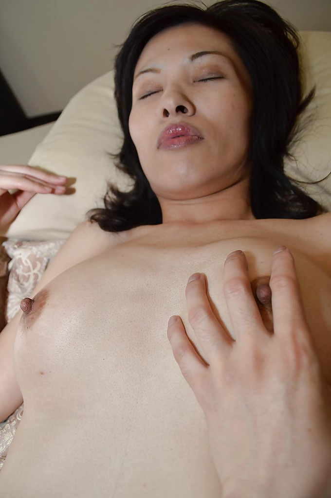 Awesome brunette Michiru Saeki is playing with her lovely vibrator