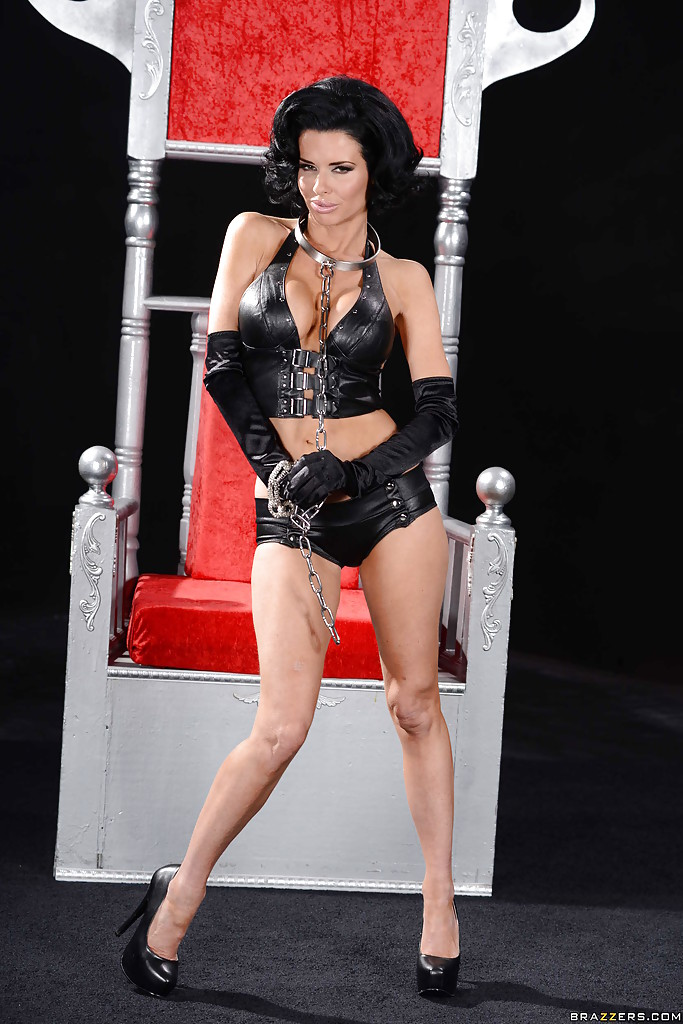 Playful brunette MILF in fetish outfit revealing her gorgeous curves