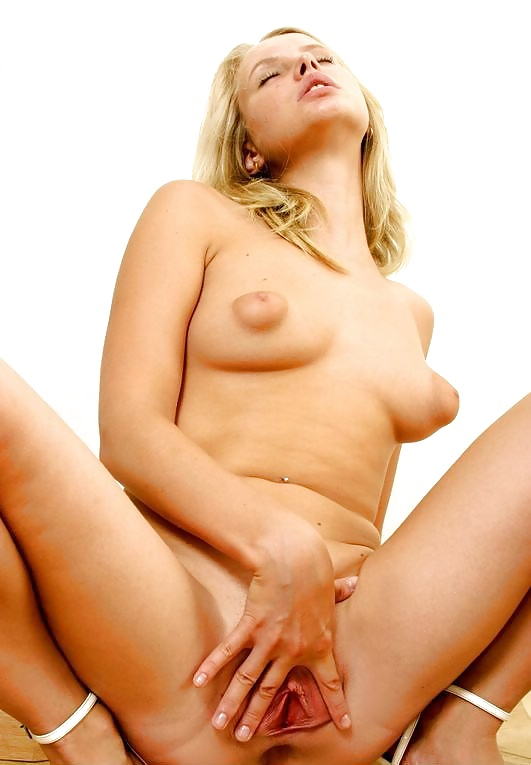 Hottie blonde showing at home