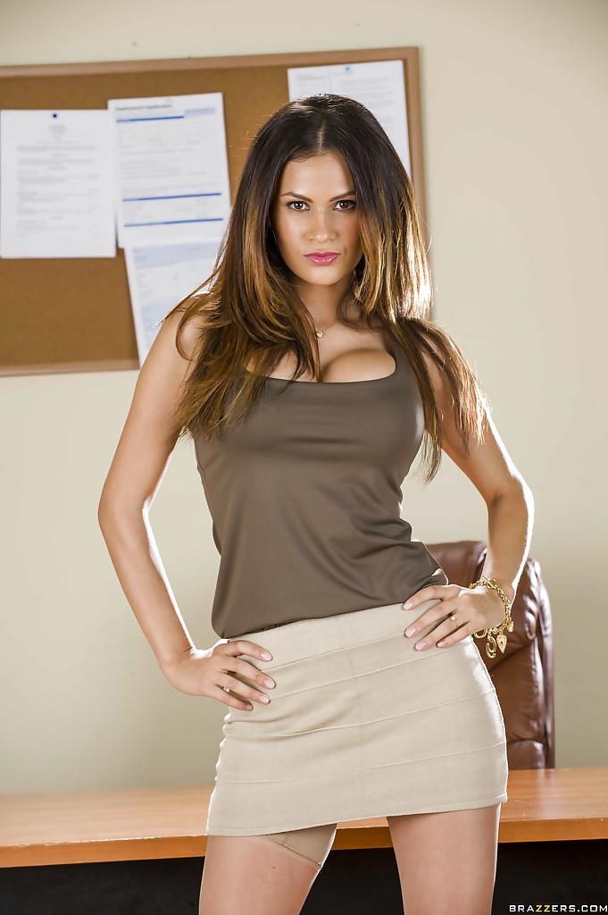 Sexy latina office babe Vanessa Veracruz stripping off her clothes