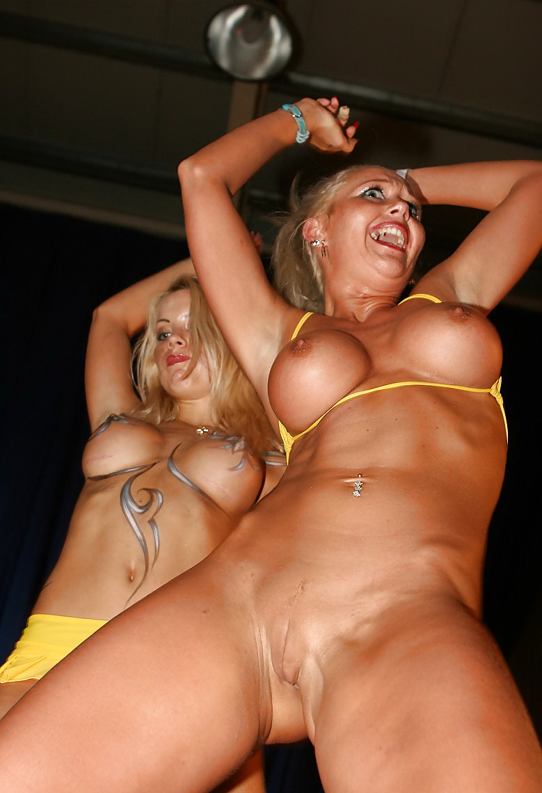 Blonde Diva On Stage