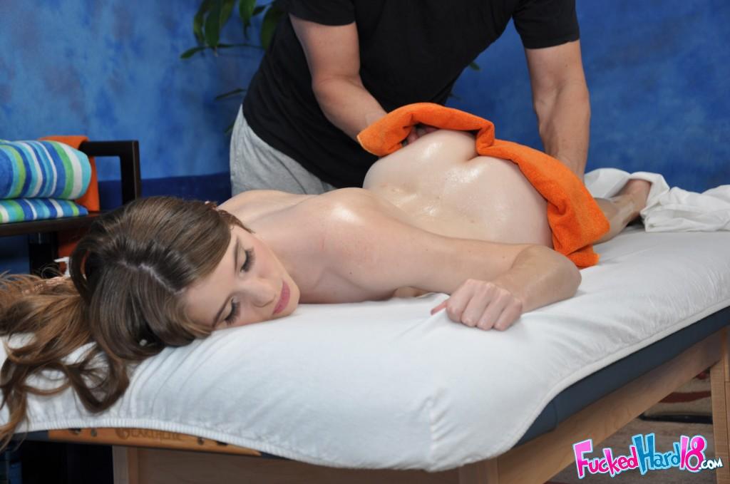 Petite teen enjoys a sensual massage and hardcore pussy fucking