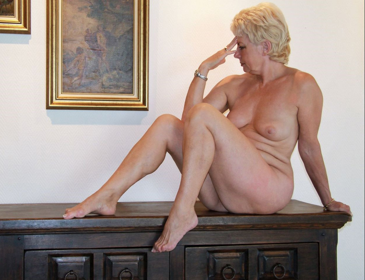 Art posed mature