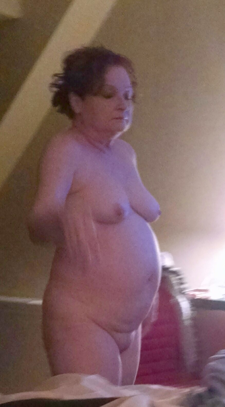 chubby wife naked in hotel-voyeur