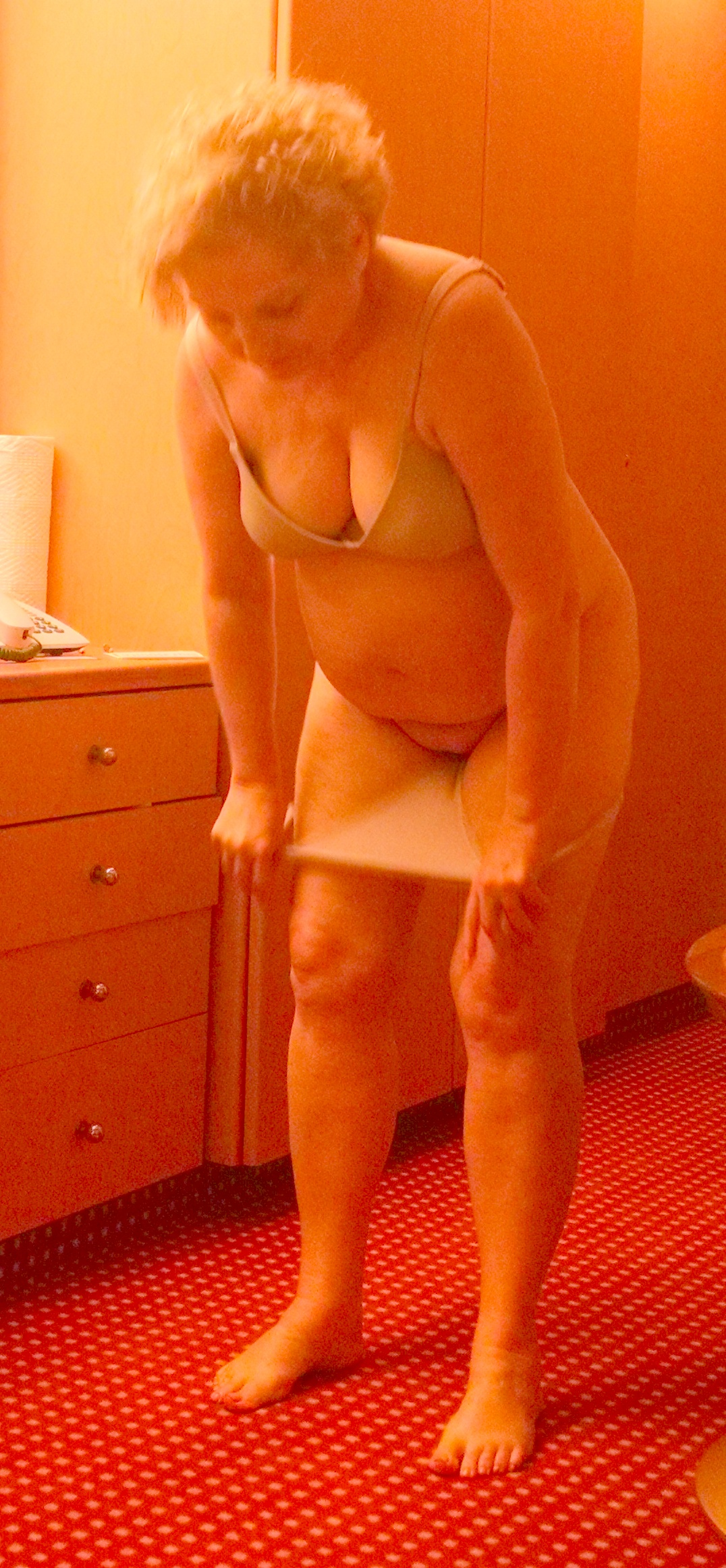 wife undressing on cruise