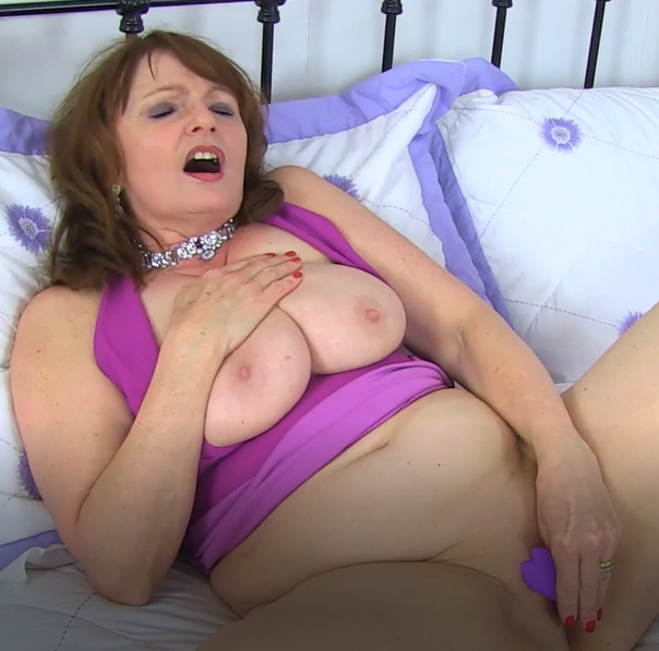 BEAUTIFUL MATURE JUST FOR YOU ... ENJOY